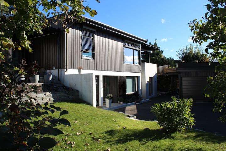 BYGDØY - Hyggelig leilighet i OSLO +hage/uteplass