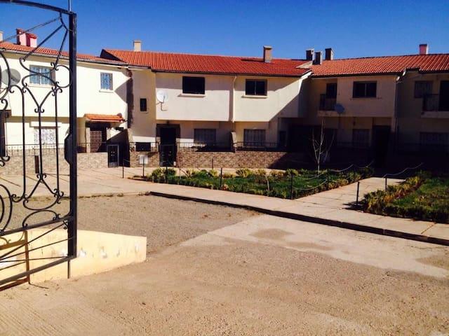Maison de 140 m2 à Imouzzer Kandar - Imouzzer Kandar - Casa