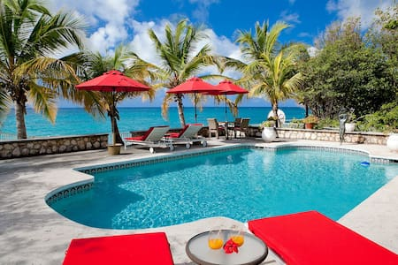 BLBH1 - Beachfront villa on Baie Longue with pool - Free Wifi