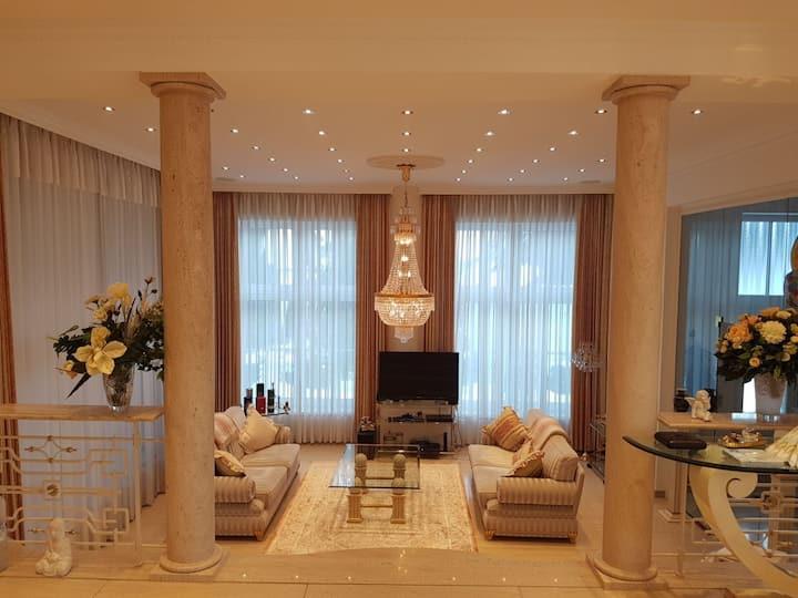 Villa-Castle 3 min vom Timmendorfer Strand - Luxus