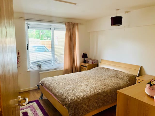 Double Room next to  Camb Train St. Heart of Camb