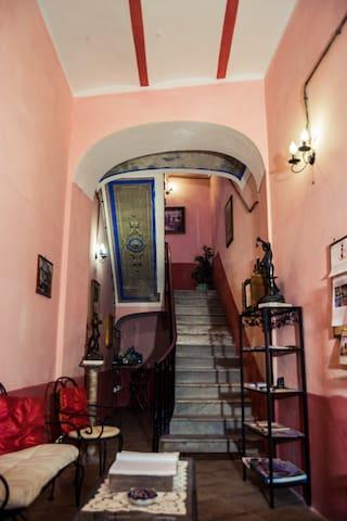 heart of the  old town of Iglesias.(b&b sumaimoni) - Iglesias - Bed & Breakfast