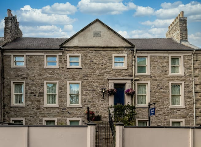 Inglestone House Room 1- The Family Suite