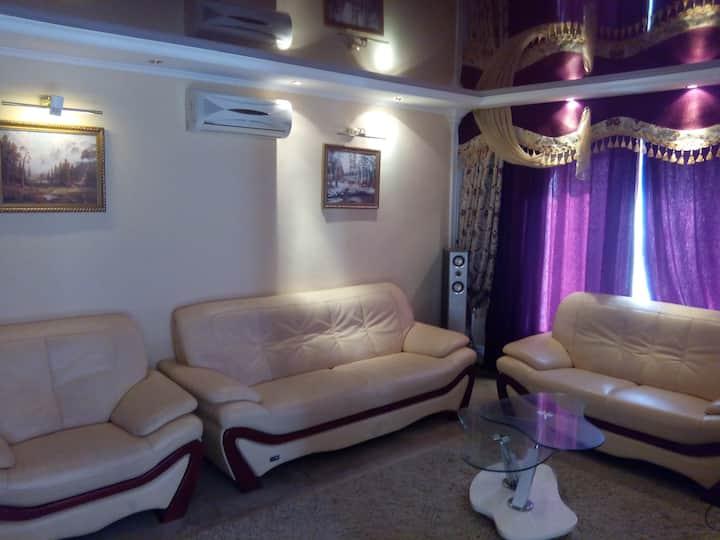 House in mountains with free pool, sauna, karaoke