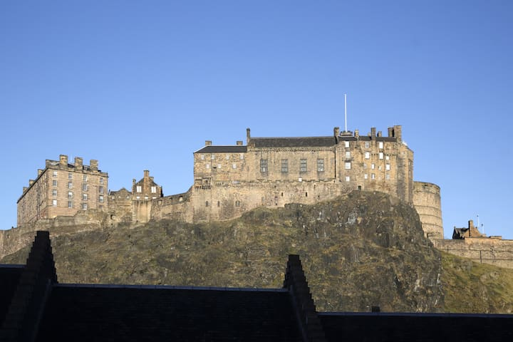 The Castle View Penthouse, Grassmarket