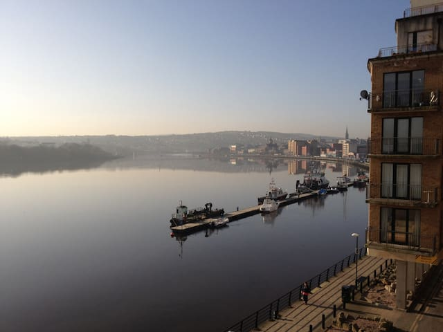 River-front Apartment, City-Centre - Londonderry - Wohnung