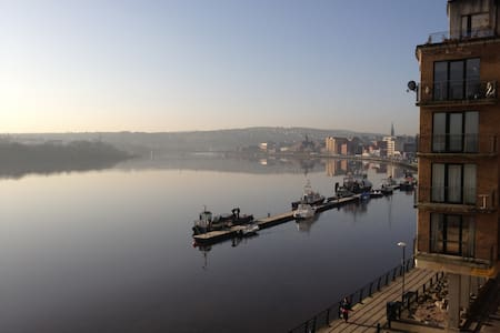 River-front Apartment, City-Centre - Londonderry - Apartment
