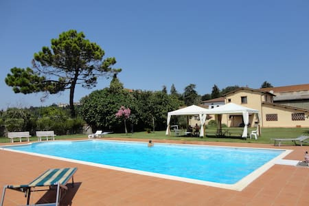 Appartamento con giardino privato - Laterina