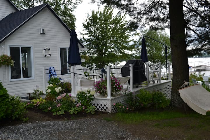 Beautiful new home on lake Memphremagog - Magog - Dom