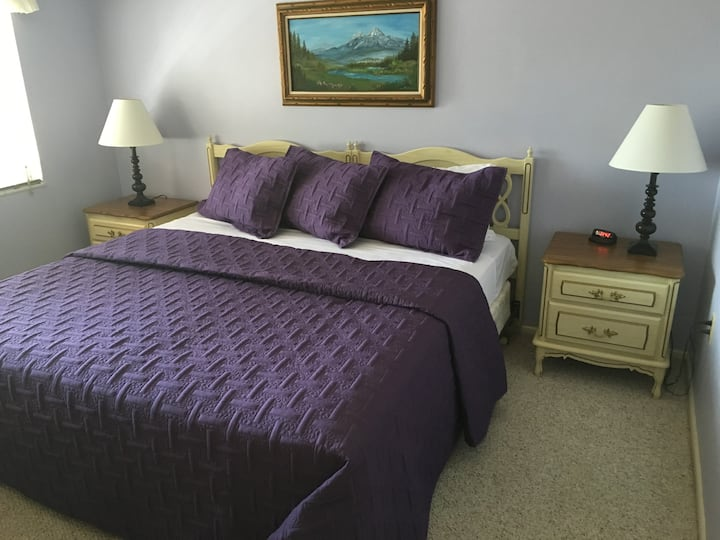Immaculate and Cozy Three Bedroom Next to LEGOLAND