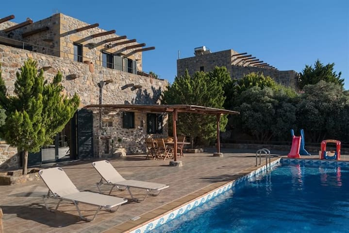 Seafront Villa In Elafonisos Lefkothea