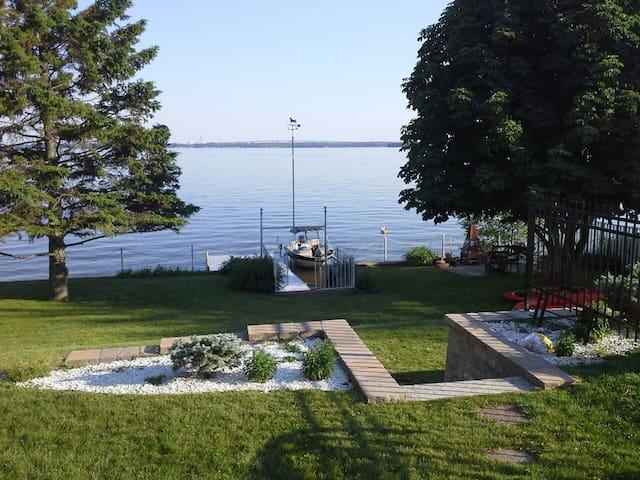 Waterfront private house - Notre-Dame-de-l'Île-Perrot