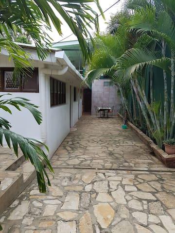 3 habitaciones  privadas con baño compartido. - Nindirí, Departamento de Masaya, NI