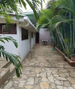 3 habitaciones  privadas con baño compartido. - Nindirí, Departamento de Masaya, NI - Bed & Breakfast