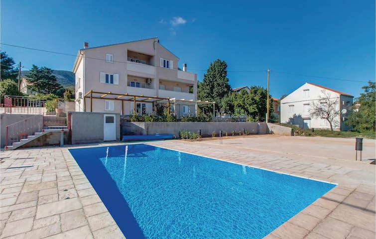 Holiday apartment with 2 bedrooms on 60 m² in Nerezine