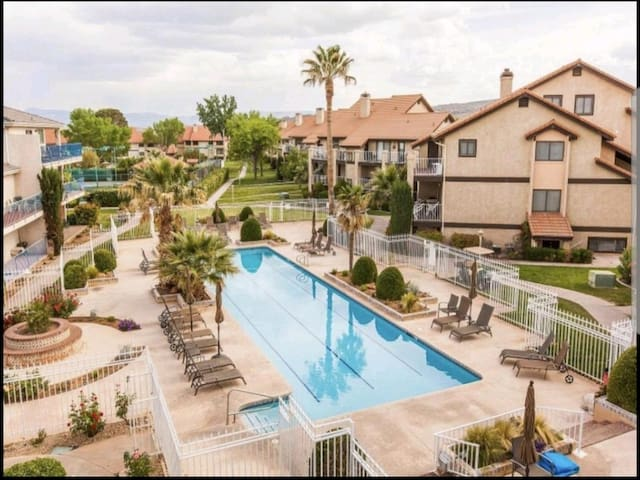 Charming Sports Village Condo - Come Stay & Play!