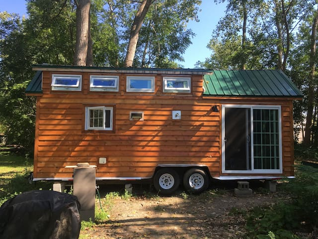 Hank and Huck's Tiny House/Cabin