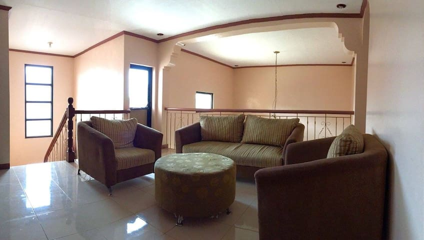 House for big groups w/breakfast&pool - Tagaytay - Bed & Breakfast