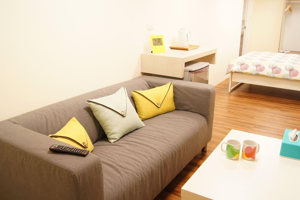 客廳、衛浴、床鋪位置。