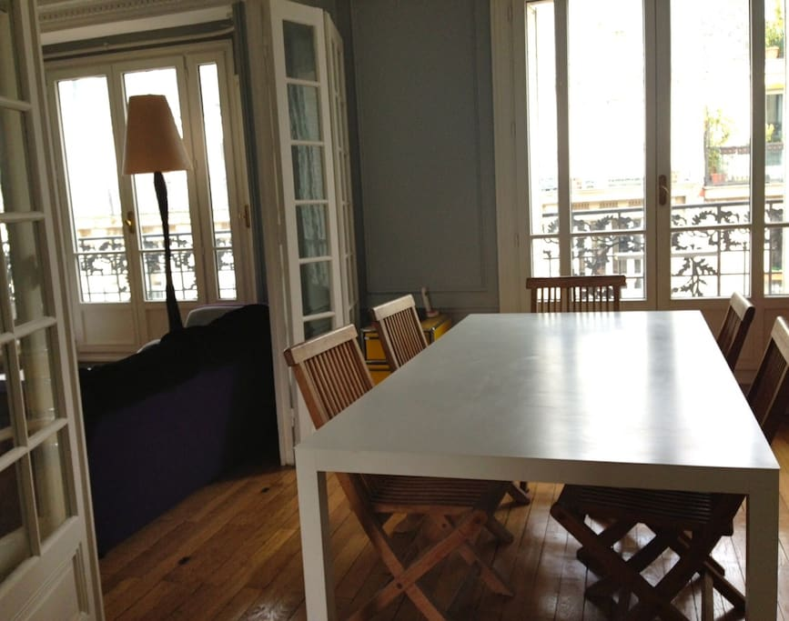 Appartement familial avec balcon wohnungen zur miete in for Appartement balcon paris