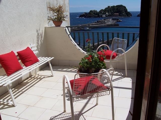 Indipendent Attic - Aci Castello - Apartment