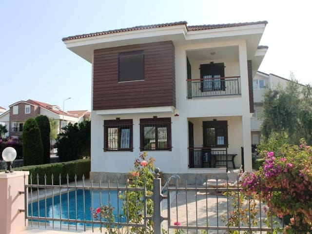 Private Pearl Villa in Side - Side - Hus