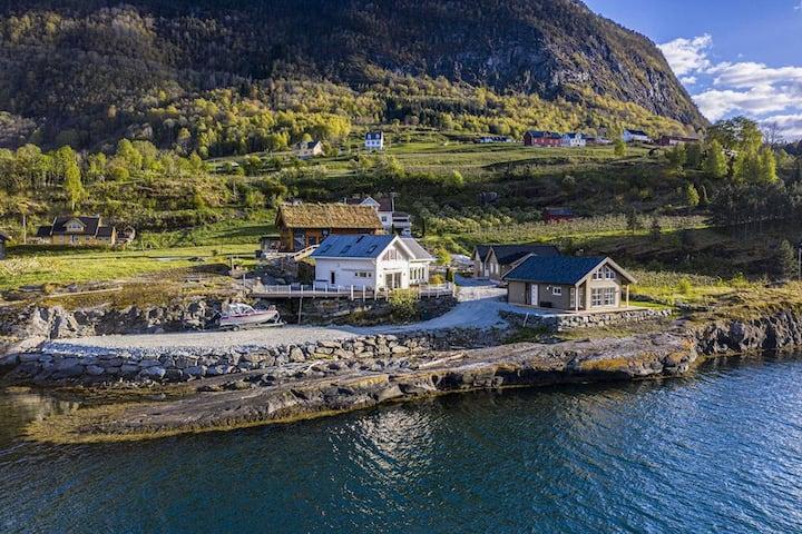 Idyllisk hytte ved Sognefjorden