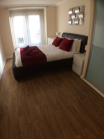 Luxury Basingstoke 2 Bedroom Apartment & Balcony - Basingstoke - Huoneisto