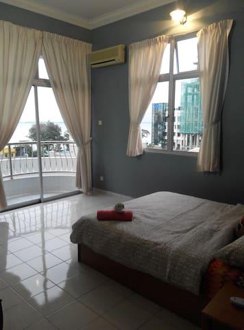 Sea View Master Room @ Gurney suite - Pulau Pinang - Apartment