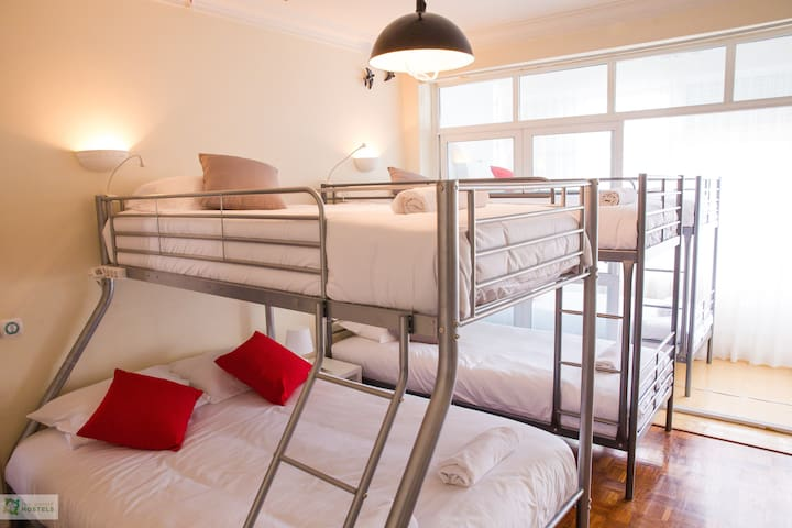 HYH Carcavelos Coast - Suite (7 pax)