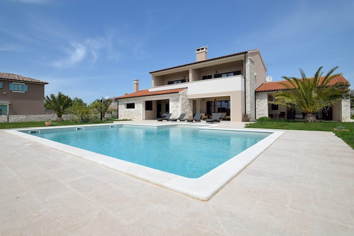 FEEL ISTRIA, ENJOY IN VILLA DOROTEA