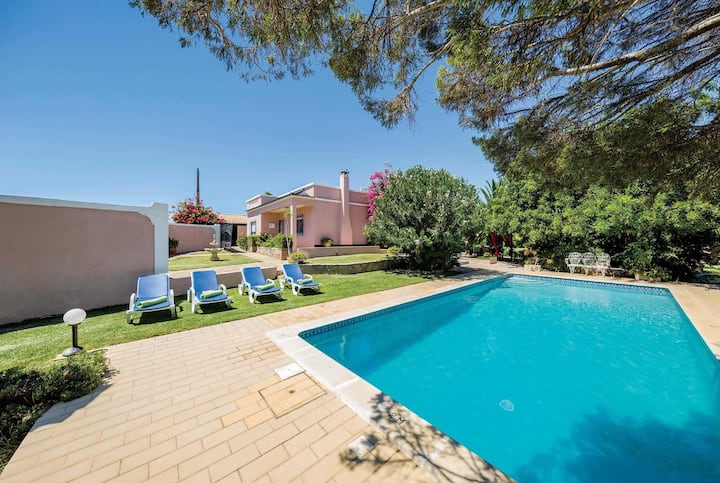 Traditional 3 bed villa with private pool