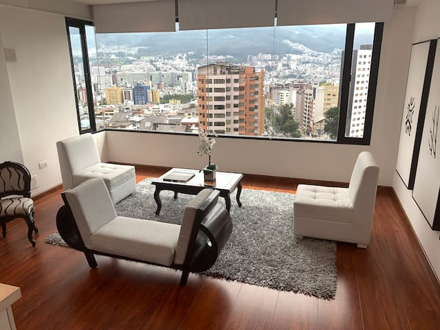 Gorgeous views! Modern apartment in the City