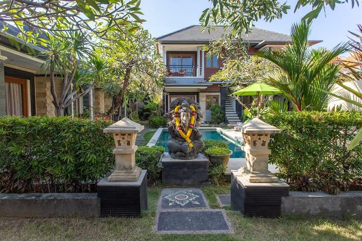 Raj Sindhu Villa & Suite deluxe room