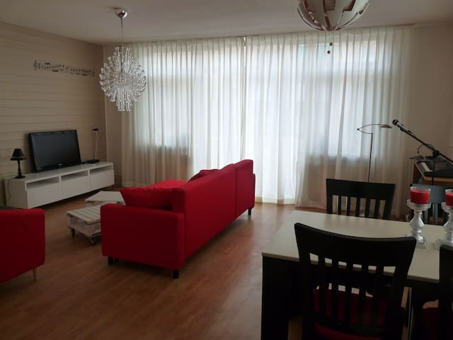 2 kamer appartement Bij Paul in Almere