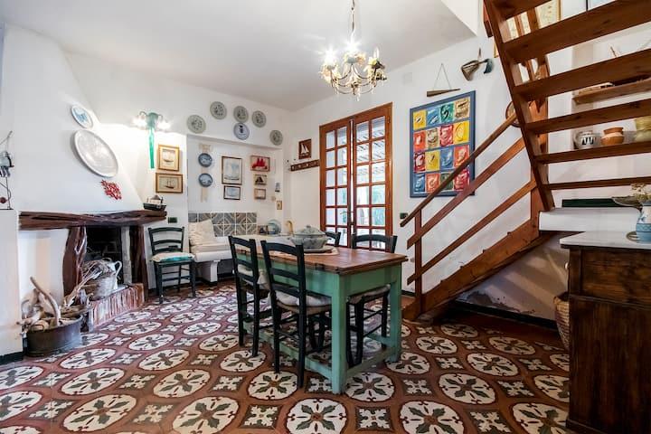 """Tipica """"casa carlofortina"""" ."""