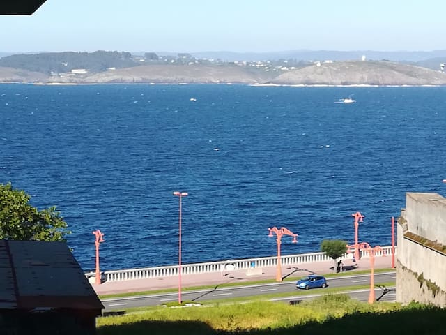 Céntrico,vista mar desde cama y salón.Sea viewWiFI
