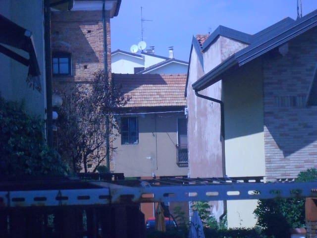 In villetta 2 stanze - Bareggio