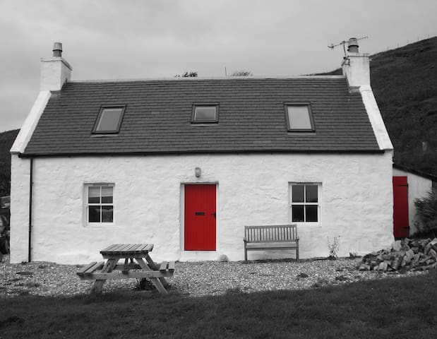 The Old Croft House - Aird of Sleat - House