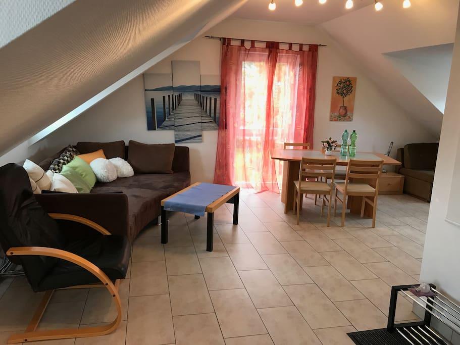 3 zimmer wohnung m bliert wohnungen zur miete in frankfurt am main hessen deutschland. Black Bedroom Furniture Sets. Home Design Ideas