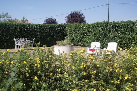 Cosy gîte w/ garden, mountain view - Charbonnier-les-Mines