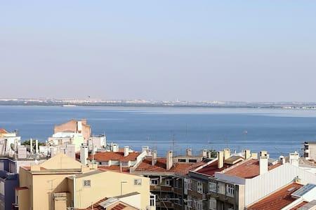 Seagull Tagus Flat, zona historica - Lisboa - Graça - Huoneisto