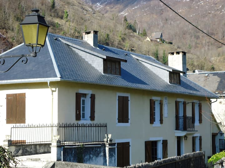 Holiday cottage of character in Pyrénées