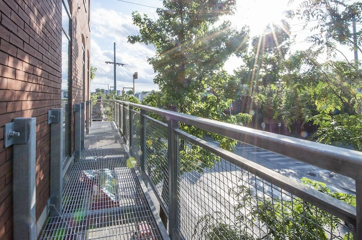 Balcony above the NIGHTLIFE /walkability score 100