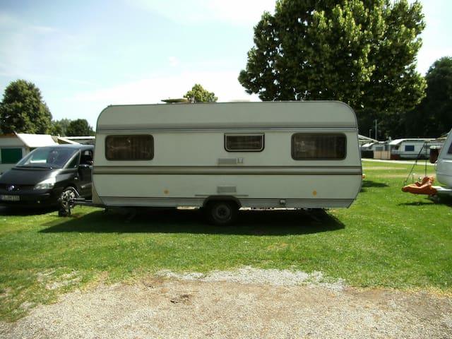 Caravan Hobby  520 4 Persons ...