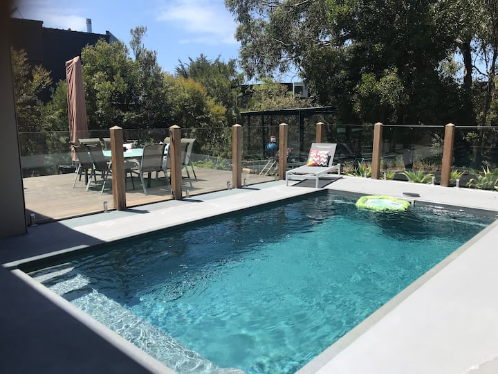 Aireys Inlet Pool Side Bliss