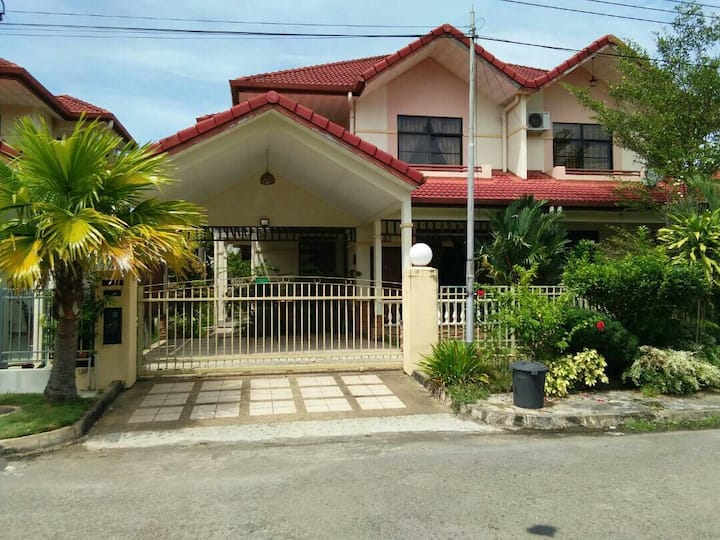 A&M Perfect Homestay Near The Beach K.Kinabalu