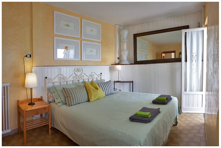 yellow double bed room