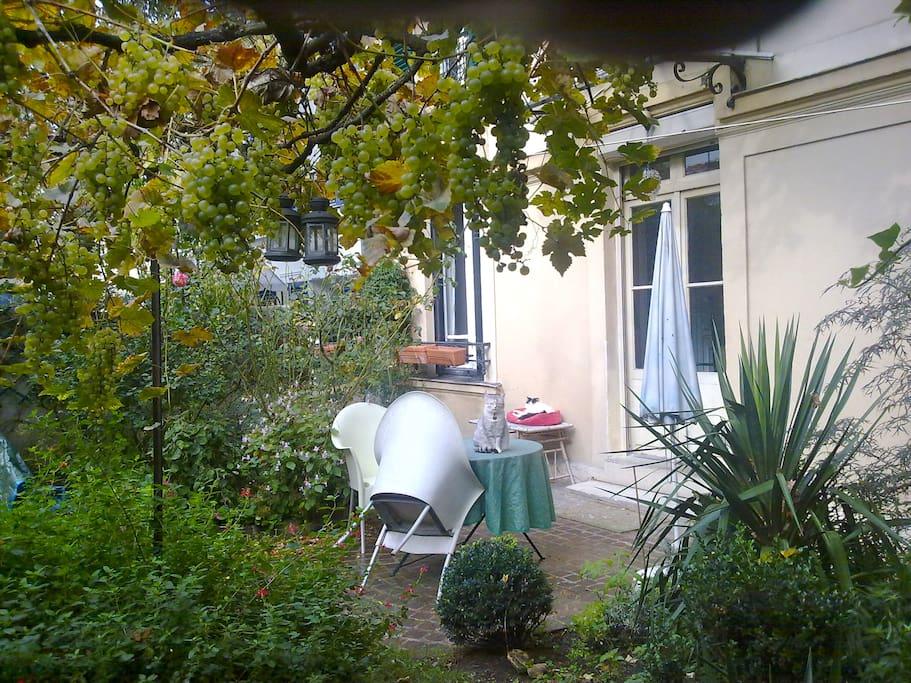 B b dans une maison avec jardin maisons louer paris for Location avec jardin paris
