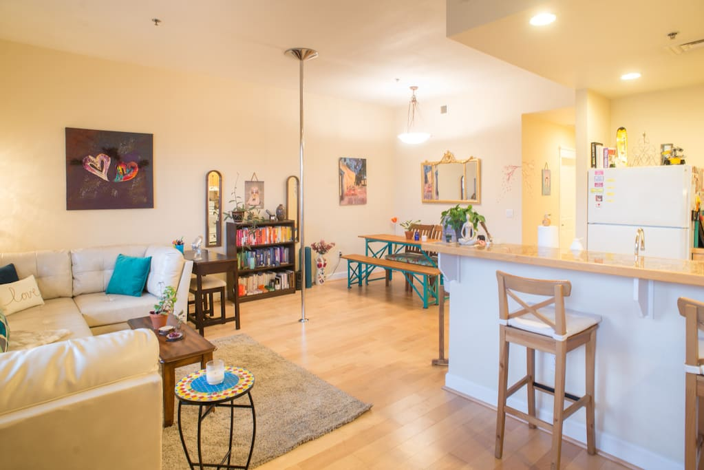 Welcome to our lovely, modern, open-plan home with a spectacular view of the Flatirons.